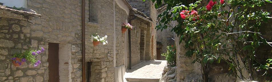 Pietrelcina Castello Street